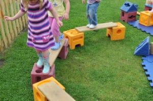 outdoor stepping bridge playground